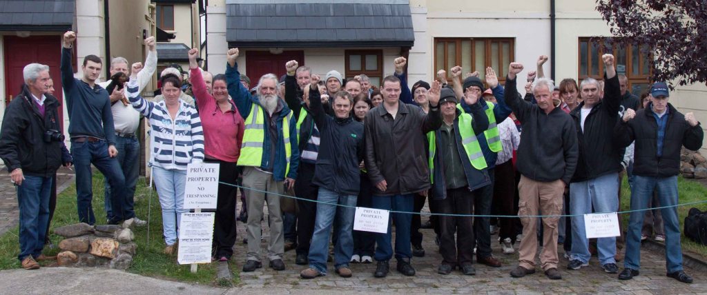 Family-and-friends-oppose-eviction-in-Kanturk1